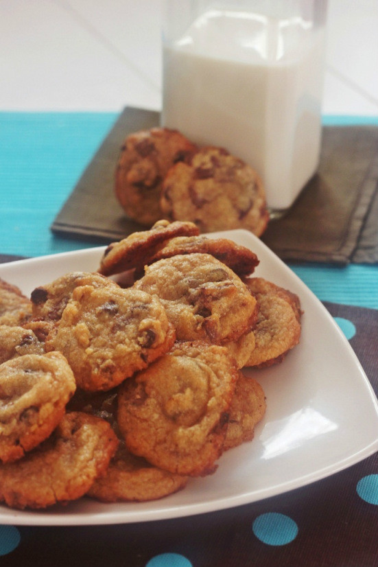 GALLETAS CON TROCITOS DE CHOCOLATE (COOKIES)